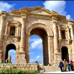 hadrians arch roman ruins in jerash