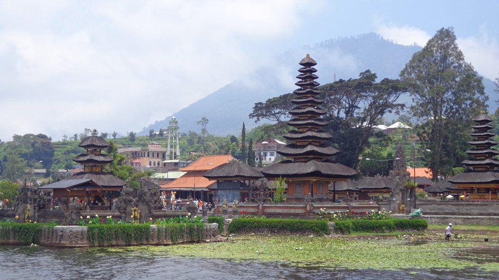 temple in Bali Indonesia - solo travel tips bali