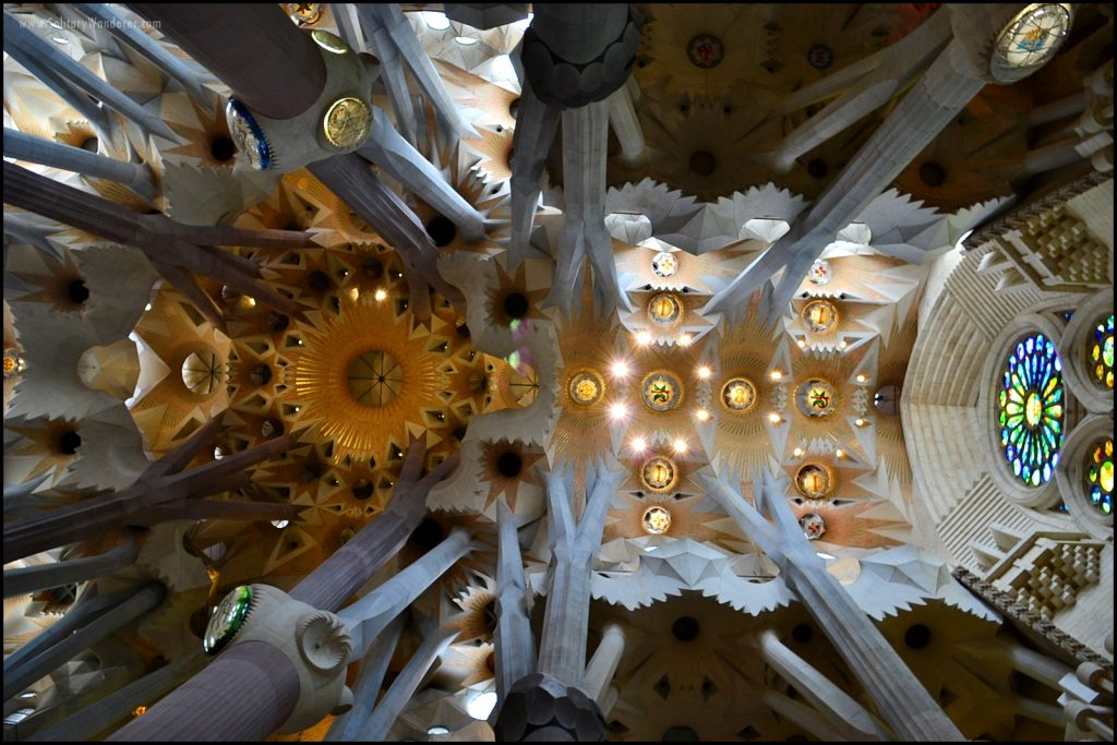 barcelona travel -- visit sagrada familia