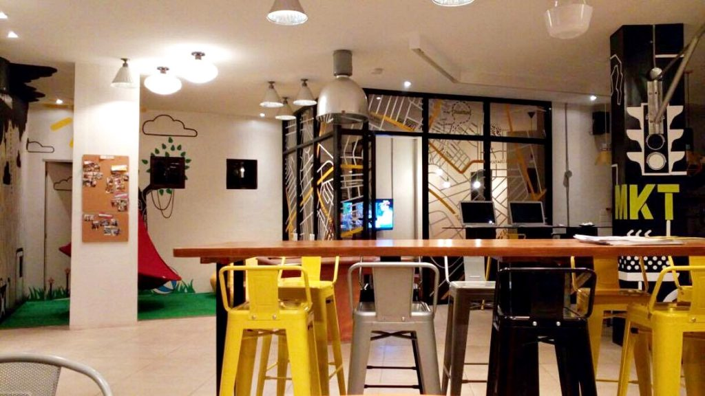 where to stay in manila -- Junction Hostel