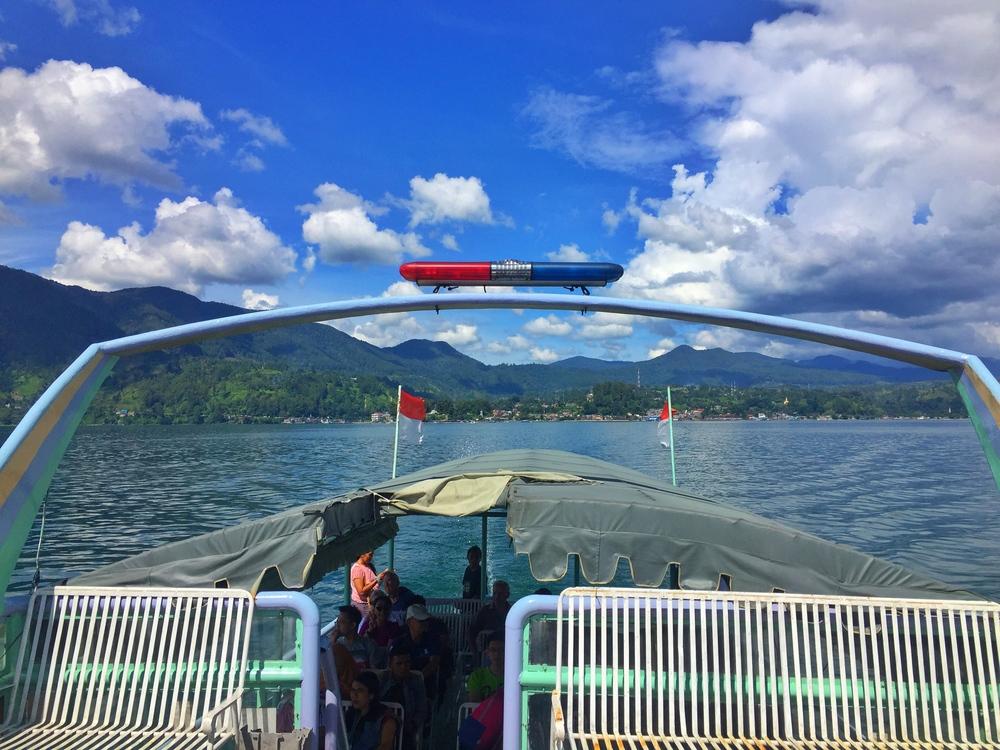 ferry to tuk tuk sumatra