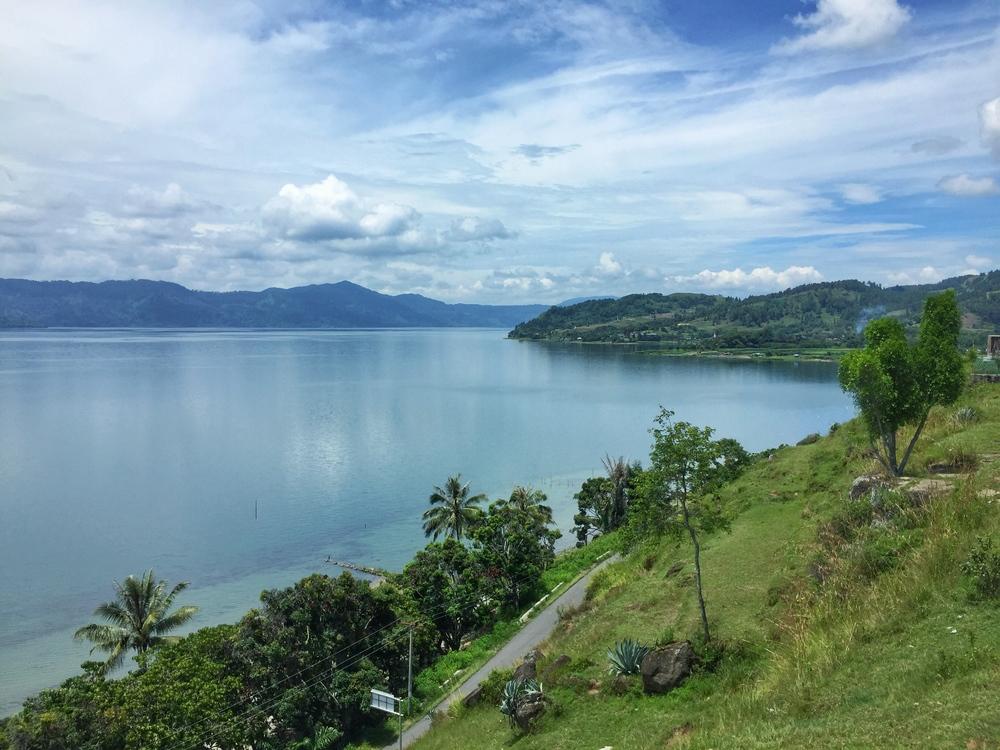 lake toba views