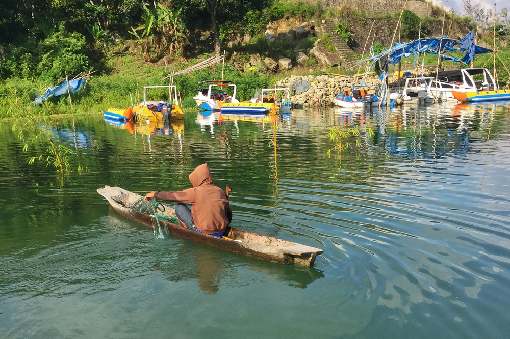 local fishing in lake toba