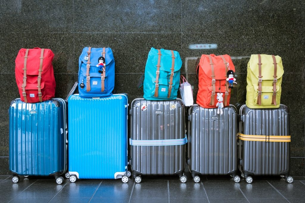 The Pros and Cons of Traveling With Only Carry-On Baggage