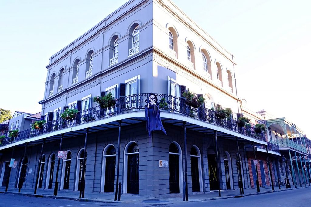things to do in new orleans - lalaurie house