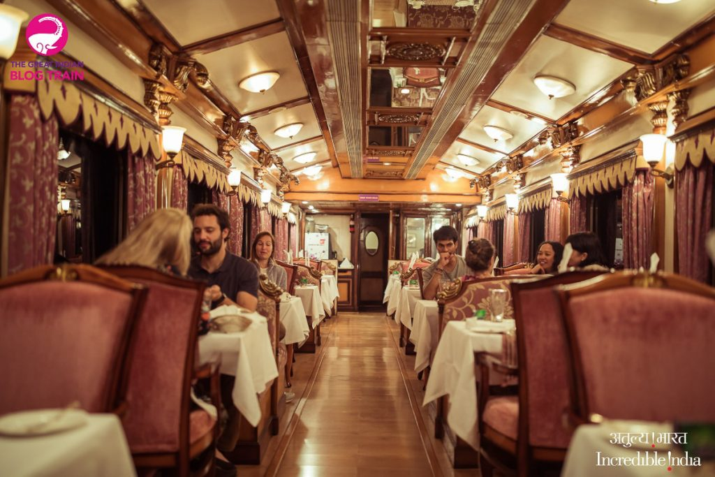 golden chariot dining car