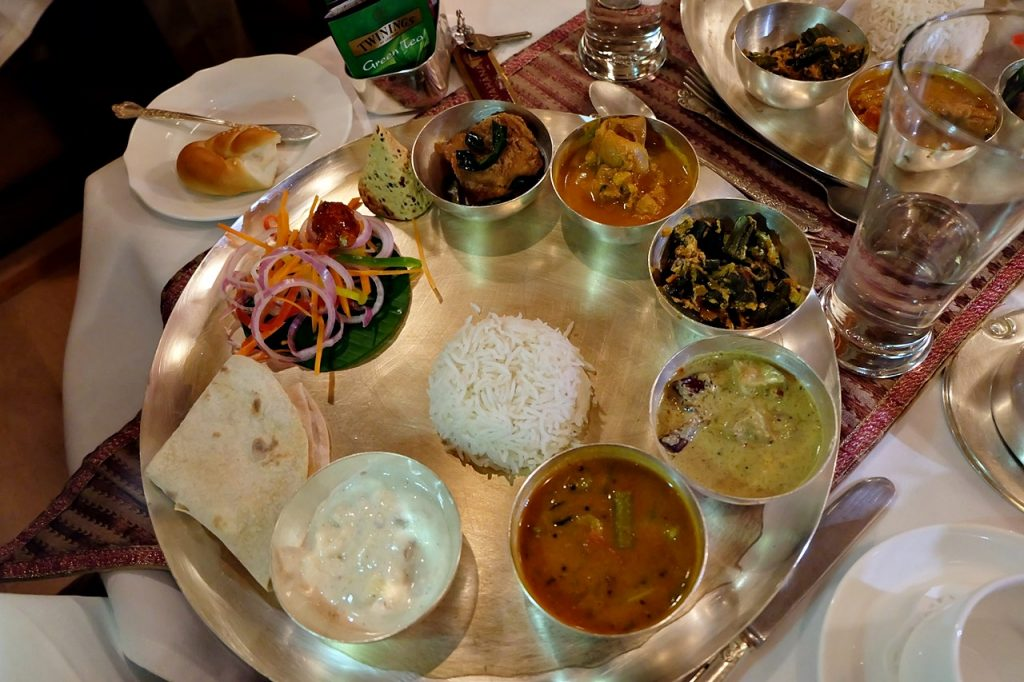 golden chariot review -- food thali