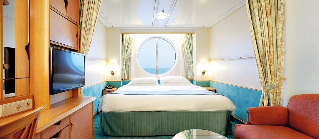 Royal Caribbean - Voyager of the Seas - Oceanview Stateroom