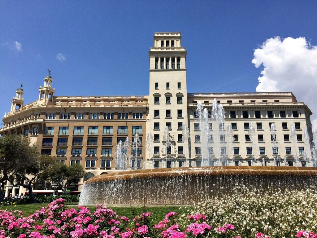 Barcelona Travel: Solo Travel Tips in Barcelona