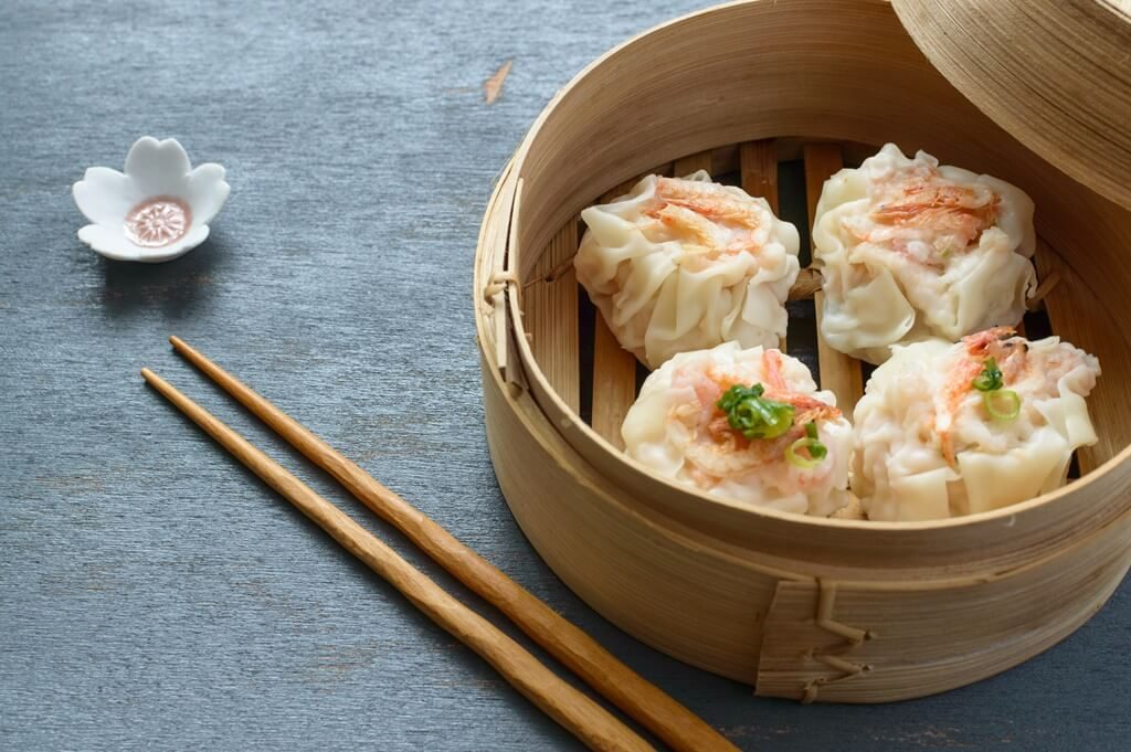 hong kong things to do: eat dim sum