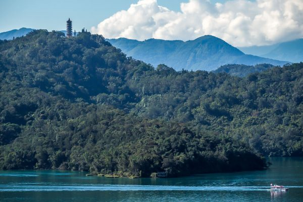 taiwan tourism spots -- Sun Moon Lake