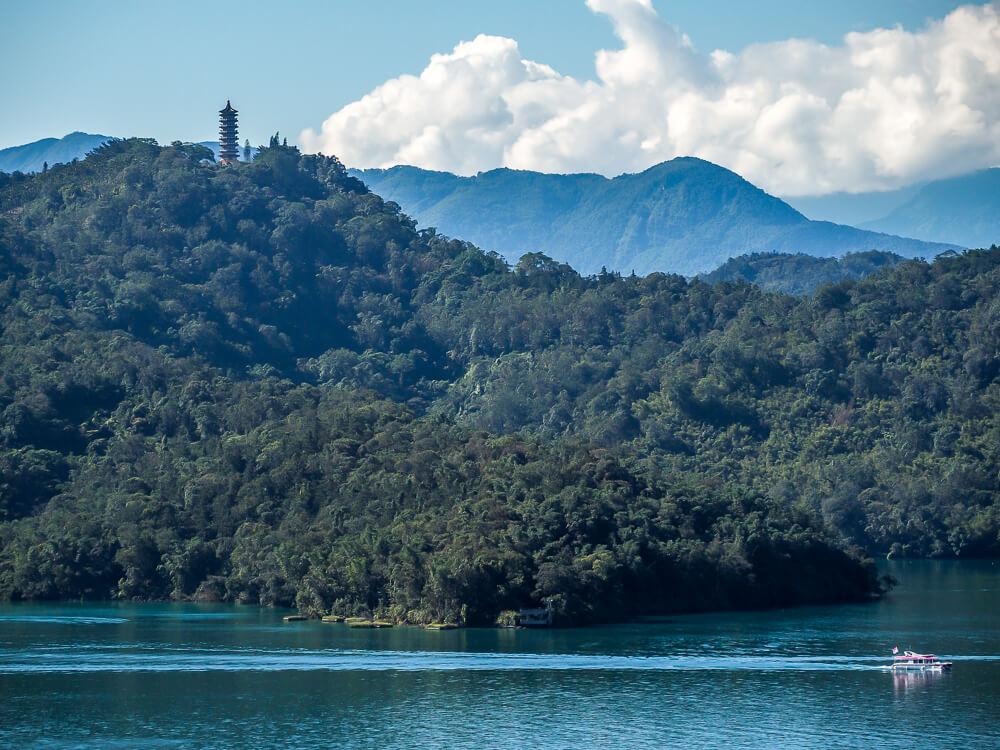taiwan tourism spots -- Sun Moon Lake